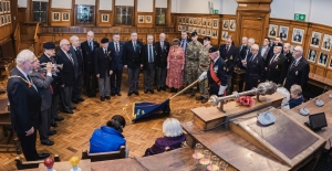 Mayor hosts visiting service personnel